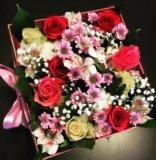 Живые цветы в подарочной упаковке. Фото 3.