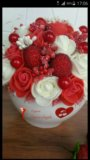 Композиция с розами и клубникой. Фото 2.