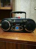 Магнитофон и радио. Фото 1.