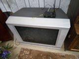 Телевизор большой тошиба. Фото 1.