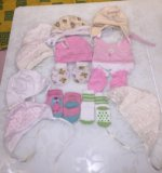 Шапочки,царапки и носочки от 0 до 3 месяцев. Фото 1.