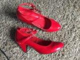 Красные туфли лаковые. Фото 2.