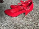 Красные туфли лаковые. Фото 3.