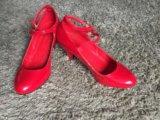 Красные туфли лаковые. Фото 4.