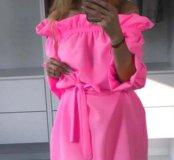 Платье яркое, новое