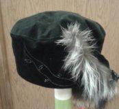 Замшевая шапочка.