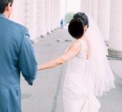 Шикарное свадебное платье А-силуэт со шлейфом