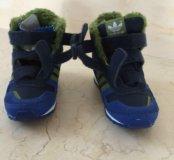 Весенние кроссовки,новые
