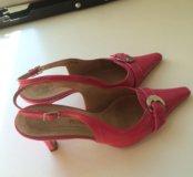Туфли кожаные лаковые ярко-розовые