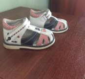 Продаю детские сандали для мальчика 20 размер