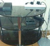 Столик под ТВ стеклянный