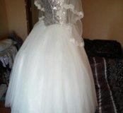 Продам недорого новое свадебные платье с фатой