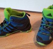 Продам кроссовки Adidas Kids