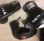 Боксерский шлем и перчатки торг