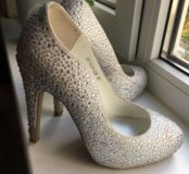 Туфли Vitacci со стразами на свадьбу