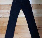 Продаю черные джинсы