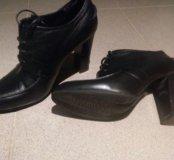 Ботинки кожанные 37 р INARIO