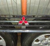 Решетка радиатора на Митсубиси Паджеро 3 / Монтеро