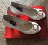 Белые туфли Glamour