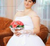 Продаю свадебное платье, кольца под платье.