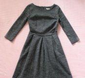 Платье из плотной ткани силуэта new look