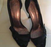 Элегантные, замшевые туфли-босоножки LUCCA Italy