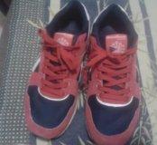 Кроссовки замшевые, почти не ношены