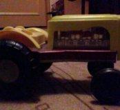 Трактор, старый советский!