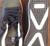 ботинки спортивного вида. новые 36