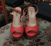 Обувь женская.