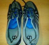 Спортивные кроссовки  42-й размер