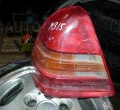 Фара Mercedes C