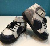 Ботиночки тёплые новые