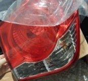 Продаю фонарь внешний правый на cruze седан
