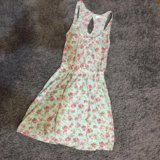 Милое бирюзовое платье Bershka в цветочек