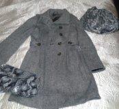 Пальто, сумочка, шарфик.