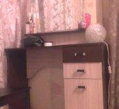 Столик с зеркалом и тумбой