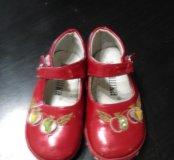 Туфли для девочки р24