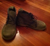 Ботинки зелёного цвета