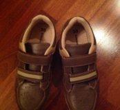 Кроссовки коричневые