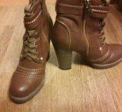 ботинки женские одевали 3 раза отличное состояние