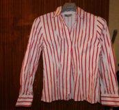 Белая рубашка свободного кроя в красную полосу