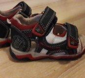 Десткие сандалии