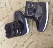 Сапожки Nike