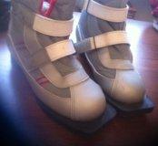 Лыжные ботинки размер 37