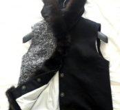 Жилет с мехом чёрного соболя