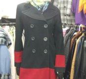 Пальто 40-42размер,берет шерстяной,косынка.