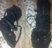 Босоножки со шнуровкой по колено