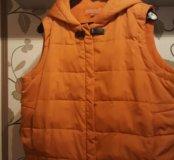 Желетка пуховая +пальто на синтепоне