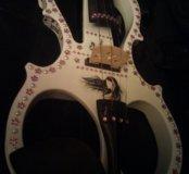 Электроскрипка с декором.